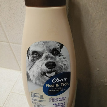 Photo of Oster Oatmeal Naturals Flea & Tick Shampoo - Mandarin Violet uploaded by Angelita G.