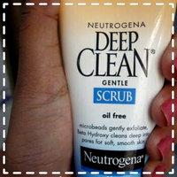 Neutrogena Deep Clean Gentle Scrub 4.2 oz uploaded by Amrita J.