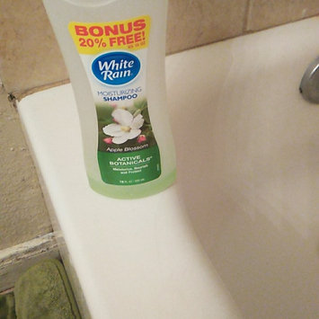 Photo of White Rain Sensations Hydrating Conditioner uploaded by monique M.