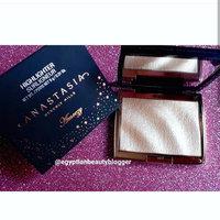 Anastasia Beverly Hills Amrezy Highlighter light brilliant gold uploaded by Egyptian B.