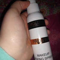 MAKEUP REVOLUTION Pro Fix Fixing Spray uploaded by Ruby E.