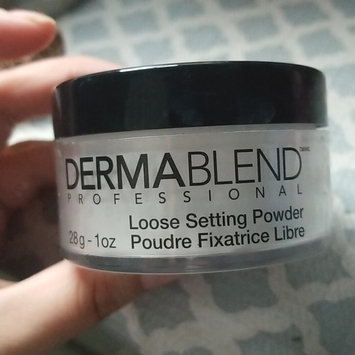 Photo of Dermablend Banana Powder Illuminating Loose Setting Powder uploaded by Monica p.