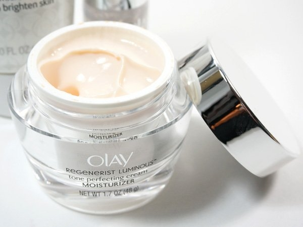 Olay Regenerist Luminous Tone Perfecting Cream uploaded by April H.
