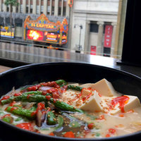 Huy Fong Foods Inc. Sriracha Chili Sauce uploaded by Paula M.