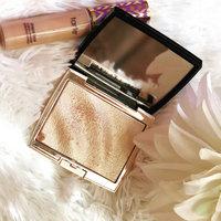 Anastasia Beverly Hills Amrezy Highlighter light brilliant gold uploaded by Sarah A.