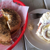 Sara Lee Deluxe Everything Bagels 6 ct uploaded by Courtney C.