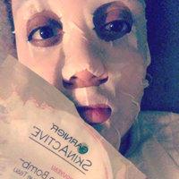 Garnier SkinActive Moisture Bomb The Super Hydrating Glow-Boosting Sheet Mask uploaded by Cruz M.
