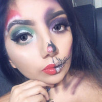 BH Cosmetics® Spotlight Highlight - 6 Color Palette uploaded by Cristal l.