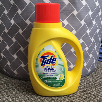 Photo of Tide Simply Clean And Fresh Liquid Daybreak Fresh Laundry Detergent uploaded by Shivani N.