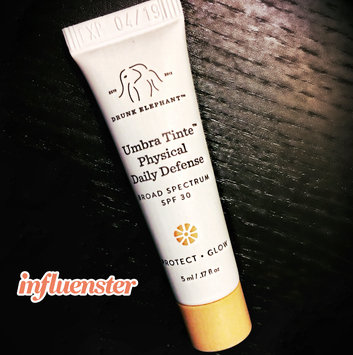 Photo of Drunk Elephant Umbra Tinte Physical Daily Defense Broad Spectrum Sunscreen SPF 30 uploaded by Chelle N.