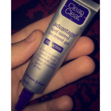 Photo of Clean & Clear® Advantage® Acne Spot Treatment uploaded by nasrriiiin x.