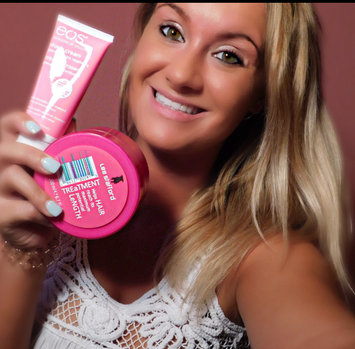 eos Ultra Moisturizing Shave Cream uploaded by Richelle R.