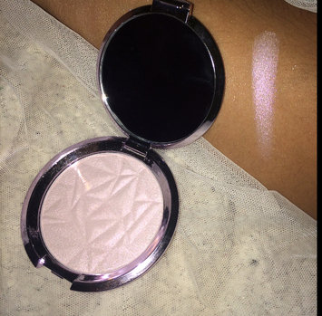 BECCA Shimmering Skin Perfector Pressed Prismatic Amethyst uploaded by alex R.