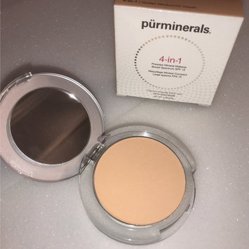 Pur Minerals 4-In-1 Pressed Mineral Makeup uploaded by EMMSAYS M.