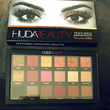 Huda Beauty Textured Eyeshadows Palette Rose Gold Edition uploaded by Vane G.