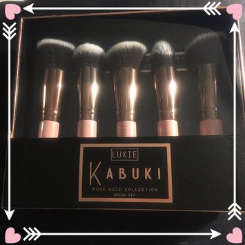 Luxie Rose Gold Synthetic 5 Piece Kabuki Brush Set uploaded by Katrina C.