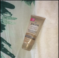 Jergens Natural Glow Daily Moisturizer uploaded by Lucie P.