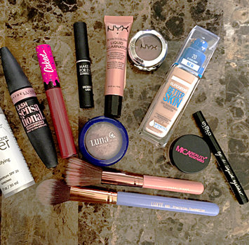Photo uploaded to #MyMakeupBag by Syd😸 T.
