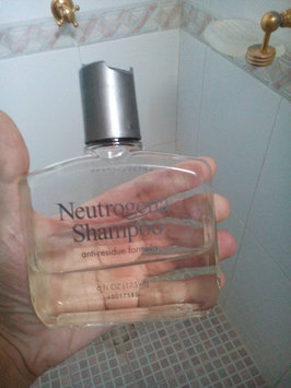 Neutrogena Anti-Residue Shampoo uploaded by Diana T.