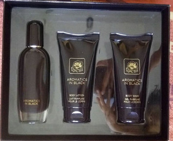 Photo of Clinique Aromatics in Black Essentials Skincare Set uploaded by Soiyah Y.
