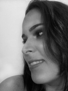 Photo of Estée Lauder Pure Color Intense Kajal Eyeliner in Blackened Sapphire uploaded by Johana N.