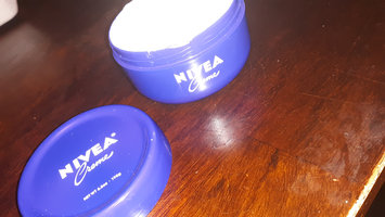 Photo of NIVEA Creme uploaded by Charell G.