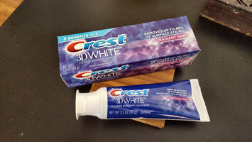 Photo of Crest 3D White Whitening Toothpaste Radiant Mint uploaded by Naylimar R.