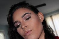 stila Glitter & Glow Liquid Eye Shadow uploaded by Makayla C.