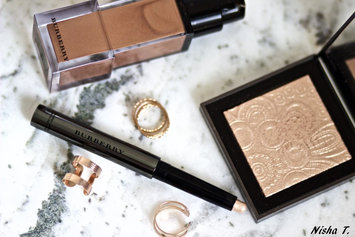 BURBERRY Fresh Glow Highlighter uploaded by Nisha T.