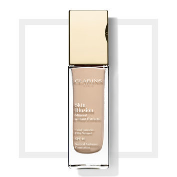 Photo of Clarins Skin Illusion SPF 10 Natural Radiance Foundation uploaded by Bianca W.