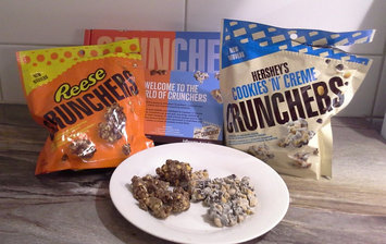 Photo of Hershey's Cookies 'n' Creme Crunchers uploaded by Carolina C.