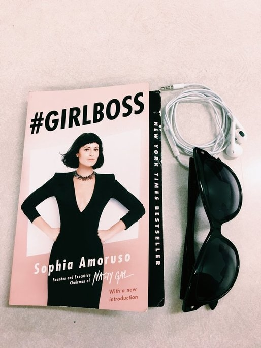 girlboss (Paperback) uploaded by Hailey R.