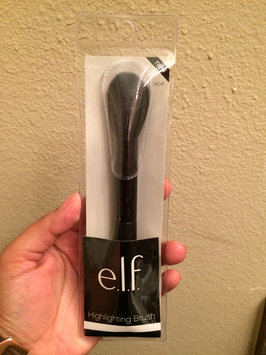 Photo of e.l.f. Highlighting Brush uploaded by Natalia B.