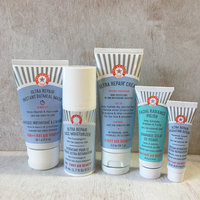 First Aid Beauty Ready. Set. Hydrate! Kit uploaded by Kristina W.
