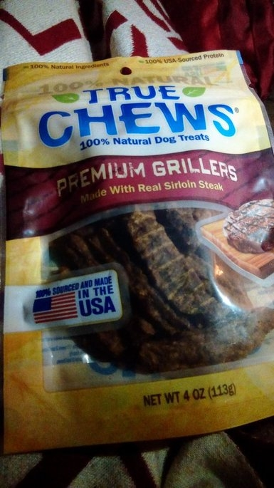 True Chews Premium Grillers Sirloin Steak Dog Treat uploaded by Elizabeth g.