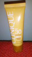 Clinique Body Cream SPF 30 with Solar Smart uploaded by Nathalys D.