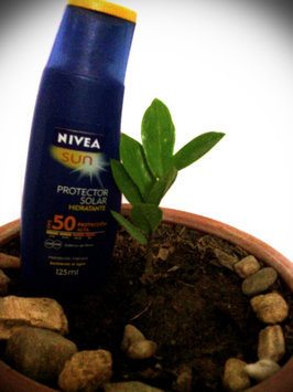 Photo of NIVEA Sun SPF 20 Sunscreen Water resistant Lotion uploaded by Gabriela M.
