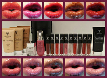 Photo of Younique Moodstruck Minerals Lucrative Lipgloss uploaded by Alicia A.