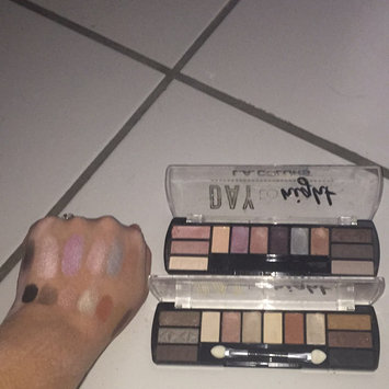 L.A. Colors Day To Night Eyeshadow Palette uploaded by Maria Eugenia L.