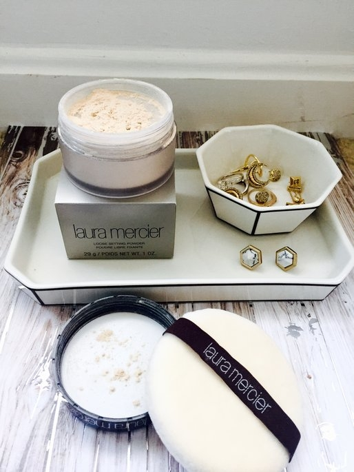 Laura Mercier Translucent Loose Setting Powder uploaded by Veronica M.