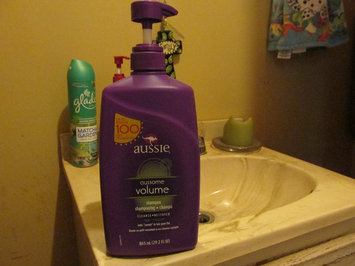 Photo of Aussie Aussome Volume Shampoo uploaded by Lindsey P.