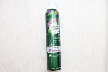Photo of Herbal Essences Cucumber & Green Tea Foam Conditioner uploaded by Carol L.