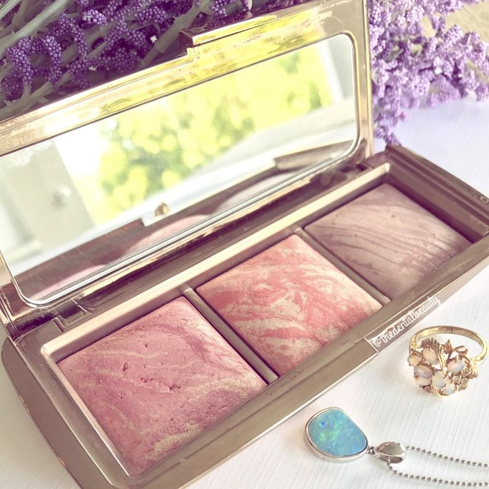 Hourglass Ambient Lighting Blush Palette uploaded by The Dental Beauty 💖.