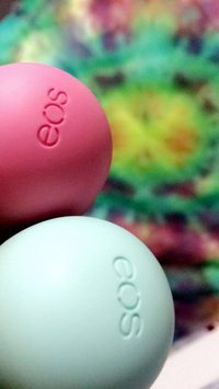 eos® Organic Smooth Sphere Lip Balm uploaded by carla c.