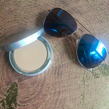Photo of It Cosmetics Your Skin But Better CC+ Airbrush Perfecting Powder SPF50+ uploaded by Veronica M.