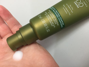 Photo of NEXXUS® CITY SHIELD HAIR CRÈME FOR ALL HAIR TYPES uploaded by Amber F.