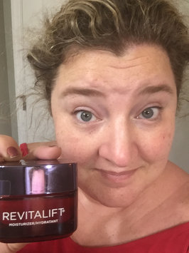 L'Oréal Paris RevitaLift® Triple Power Deep Acting Moisturizer uploaded by Traci-Jennifer T.