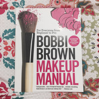 Bobbi Brown Makeup Manual: For Everyone from Beginner to Pro uploaded by Isabel R.