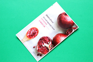 Photo of Innisfree It's Real Squeeze Mask 5pcs (Pomegranate) uploaded by Idoia A.