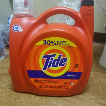 Photo of Tide Original Scent HE Turbo Clean Liquid Laundry Detergent uploaded by Angela D.